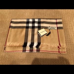 Accessories - NWT fashion 100% cashmere scarf